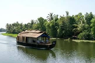 rivierboot, backwaters, Kerala