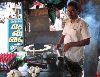 Paratha-bakker in Zuid-India