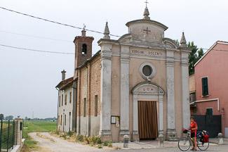 kerkje in de Povlakte