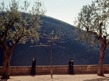 Der platz vor dem Kloster oberhalb Subiaco