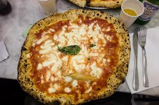 https://www.dewijdewereld.net/reisblog/wp-content/uploads/2017/03/michele-pizza-2.jpg